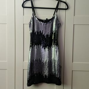 ❄️3/$25 GUESS Shiny Sequin Mini Dress